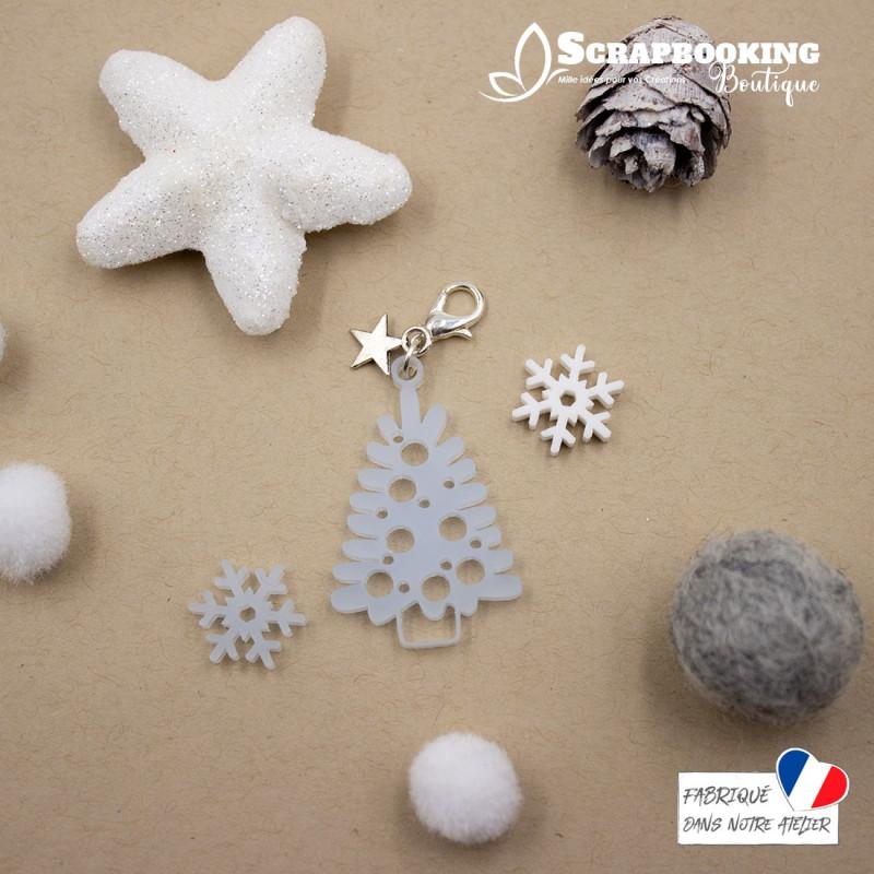 Breloque charm sapin de Noël avec boules couleur bleu givré avec fermoir étoile argenté brillant SCRAPMOUSET