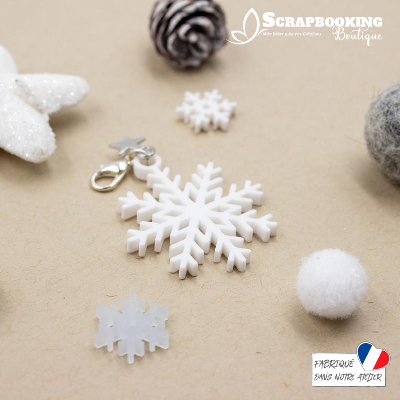 Breloque charm flocon de neige blanc avec fermoir étoile argenté brillant SCRAPMOUSET