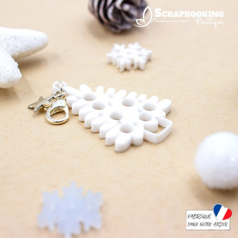 Breloque charm sapin de Noël blanc avec boules et fermoir étoile argenté brillant SCRAPMOUSET