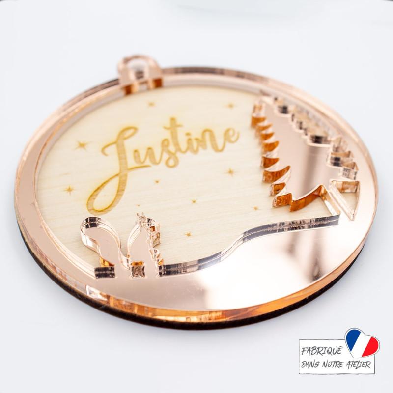 Boule de Noël personnalisée avec écureuil en bois et acrylique miroir rose gold SCRAPMOUSET