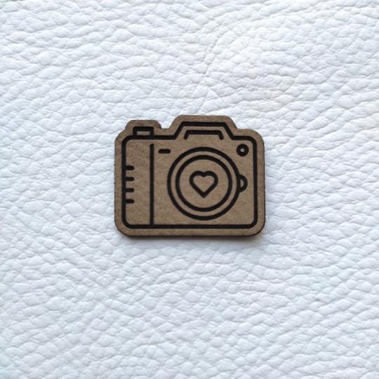 Embellissement appareil photo brun clair en cuir SCRAPMOUSET