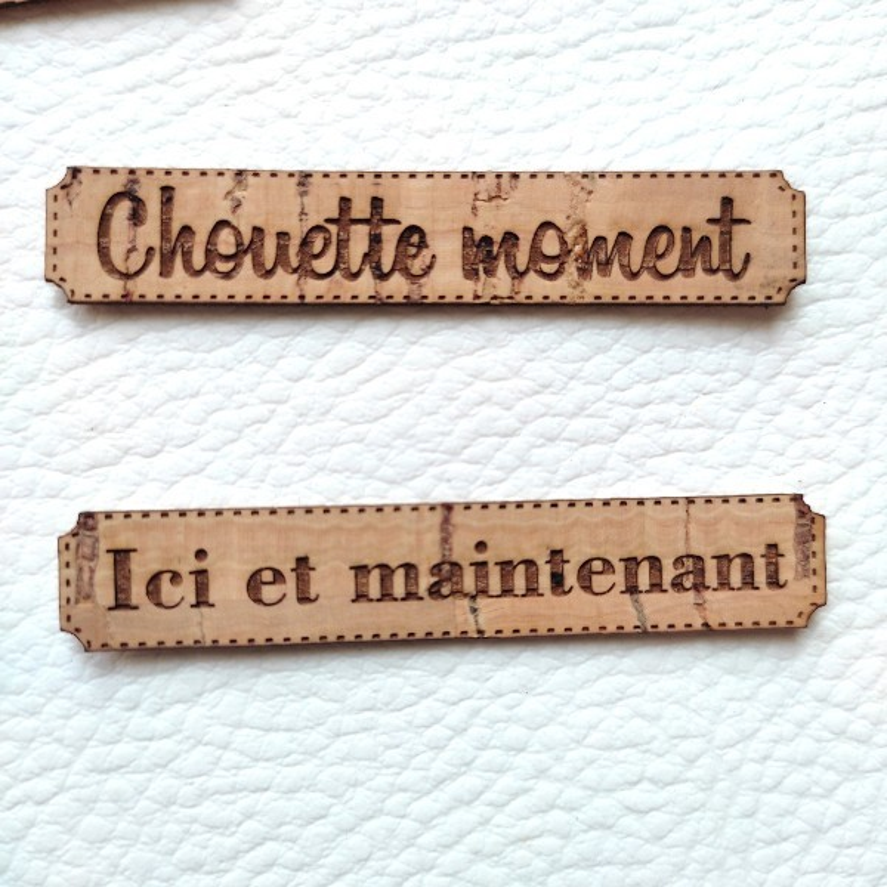 Lot de 6 étiquettes thème Moments en liège de couleur marron SCRAPMOUSET