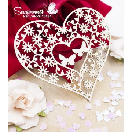 Embellissement coeur papillons et fleurs