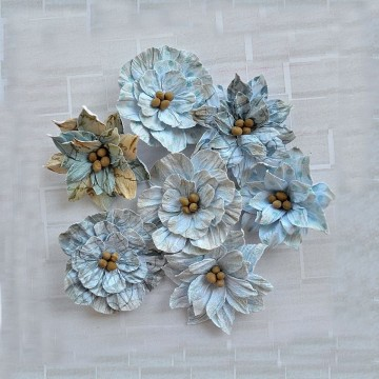"""Fleurs """"Printed Serenade Blooms Blue"""" de Little Birdie"""
