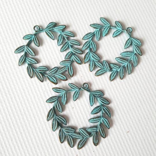 Lot 3 couronnes feuillages métal patiné bleu