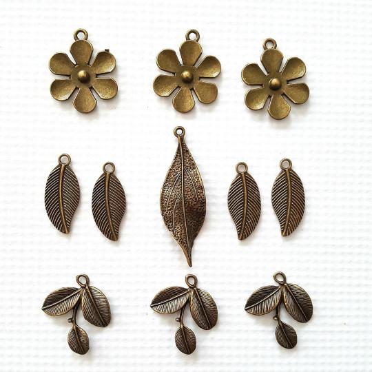 Lot 10 fleurs et feuillages en métal vieilli