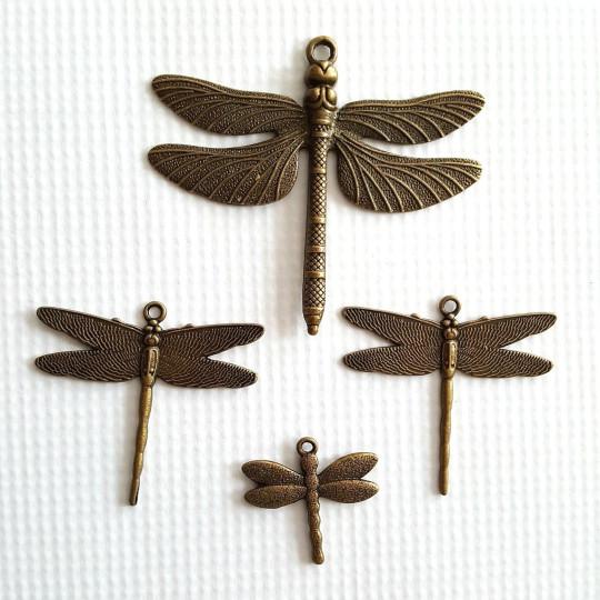 Lot 4 libellules en métal vieilli