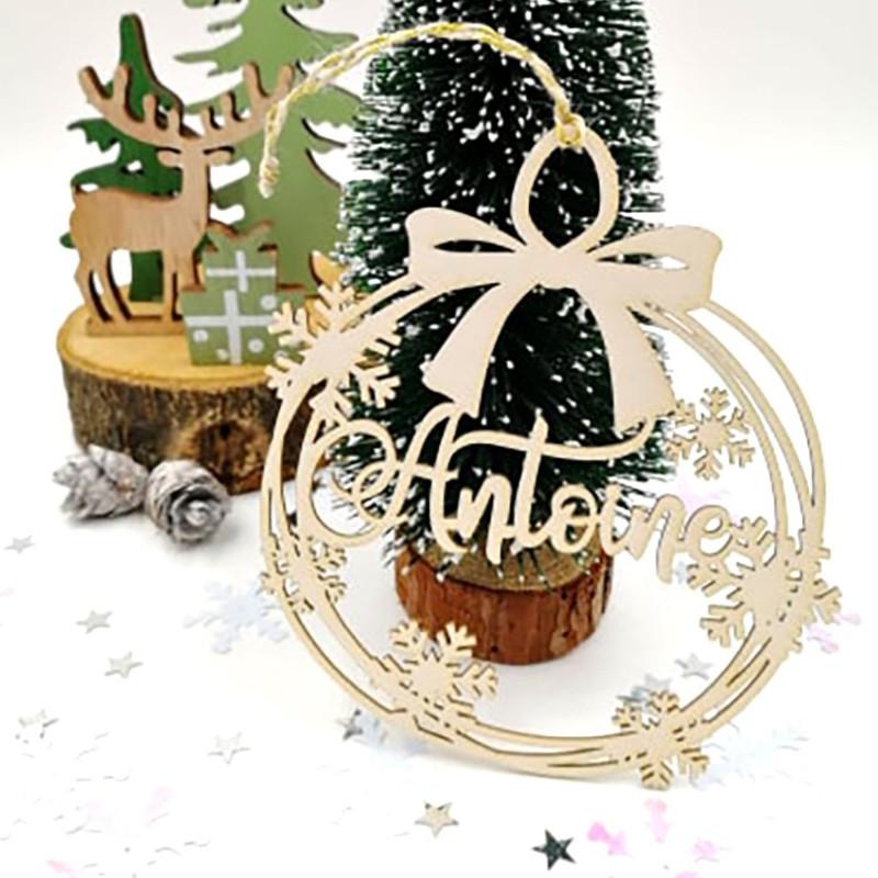 Boule de Noël et petits flocons personnalisée avec votre prénom SCRAPMOUSET