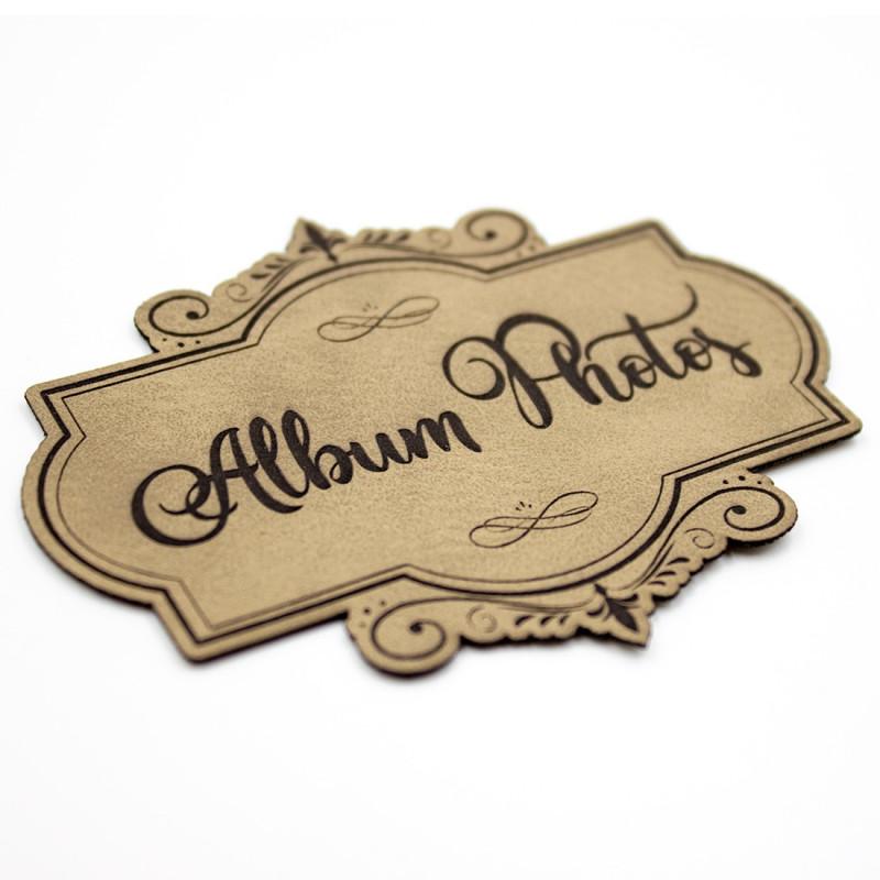 Etiquette de type Vintage en cuir avec le mot Album Photos SCRAPMOUSET